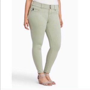 3/$18 Torrid light mint green skinny jeans 16R